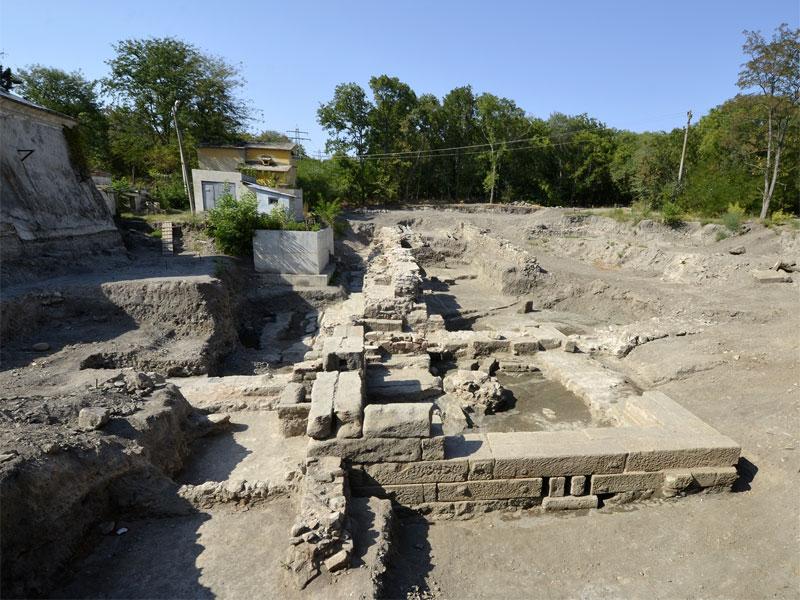 Целебные свойства минеральных источников Термополиса стали известны еще в эпоху неолита